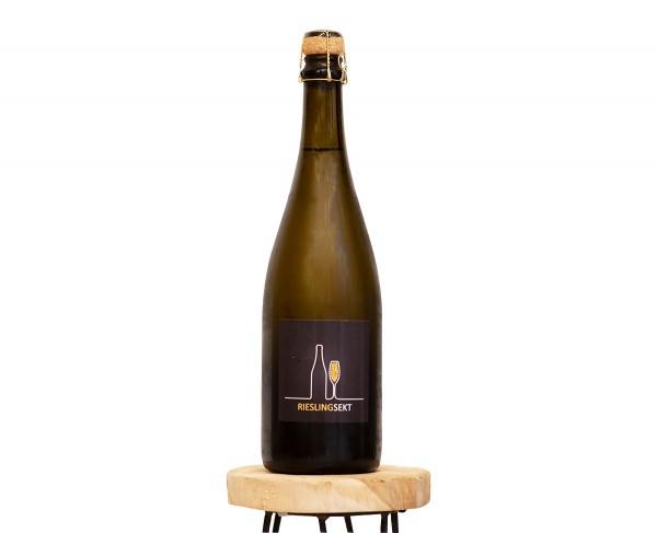 Riesling Sekt Weinflasche